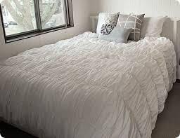 How To Put A Duvet Cover On A Down Comforter Best 25 Ruffle Duvet Ideas On Pinterest Cheap Duvet Covers