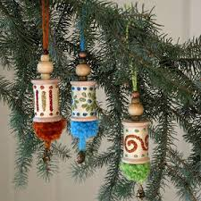 spools of yuletide diy ornaments allfreechristmascrafts