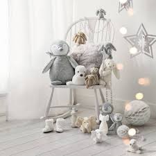 Room Decoration Ideas For New Year by Fun Ideas To Reuse Christmas Decorations For New Years Eve Party Decor