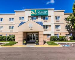 Comfort Suites Lakewood Colorado Hotels Near Belmar Shopping Mall In Lakewood From 119 Night