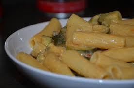 cuisiner des courgettes light pâtes courgettes curry recette light la cuisine sans lactose