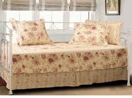 Daybed Mattress Cover Daybed Beautiful Daybed Covers With Decorative Pillows And Roman