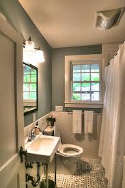 Old House Bathroom Ideas by Best 25 Small Cottage Bathrooms Ideas On Pinterest Small