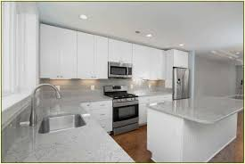 backsplash for dark cabinets and light countertops change color of