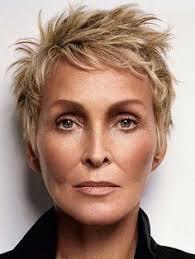 precision haircuts for women blonde fransig geschnitten kurzhaarfrisur stylische http