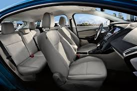 ford focus features 2017 ford focus sedan hatchback detailed interior features