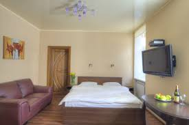 studio apartment with jacuzzi for rent 9 mykhailivs u0026 039 ka