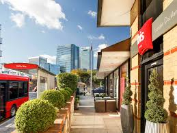 ibis london docklands well equipped hotel inlondon