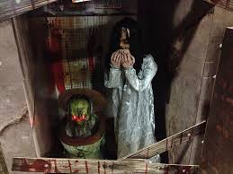 spirit halloween 2016 animatronics could it really be phase i already i remember halloween