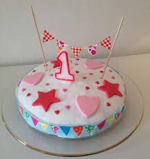 cuisine de gateau gâteau d anniversaire petits fanions les meilleures recettes de