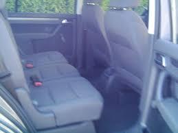 peut on mettre 3 siege auto dans une voiture quelle voiture avec 3 enfants en bas âge familles nombreuses