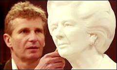 Estátua de Thatcher rompe tradição no Parlamento   BBC Brasil ...