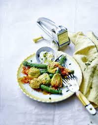 cuisiner fleurs de courgettes fleurs de courgettes farcies à la ricotta régal