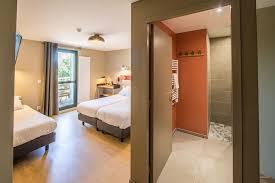 chambre en l 19 chambres hôtel 3 étoiles archipel volcans au pied du puy de dôme