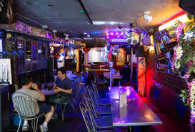 Top Sports Bars In Nyc Best Bars On The Lower East Side In Nyc Thrillist