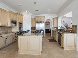 Range In Island Kitchen by 14319 N Belle River Ln Houston Tx 77077 Har Com