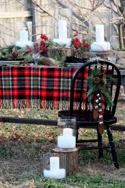 Outdoor Christmas Decor Pictures by 18 Beautiful Outdoor Christmas Table Settings Digsdigs