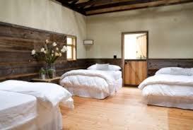 style chambre à coucher la chambre à coucher style grange en 16 exemples