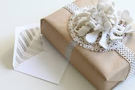 cheap gift wrap the student s guide the student gift giving guide