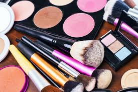 makeup kits for makeup artists how to begin creating your professional makeup artist kit