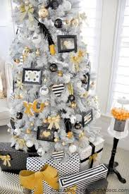 top minimalist and modern tree decor ideas modern