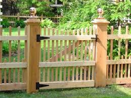 Gate For Backyard Fence Best 25 Picket Fence Gate Ideas On Pinterest Picket Fences