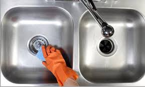 How To Clean The Kitchen Sink How To Clean A Kitchen Or Bathroom Sink Top Cleaning Secrets