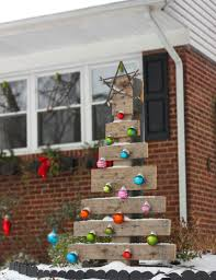 Diy Outdoor Christmas Decorations by 18 Easy And Cheap Diy Outdoor Christmas Decoration Ideas