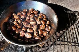 come fare le caldarroste in casa come cucinare le castagne idee green