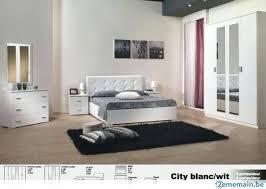 chambre à coucher blanc et noir chambre a coucher blanche chambre a coucher blanche touche
