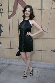 cyrina fiallo 145 best alison brie images on pinterest alison brie gillian