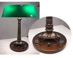 the green desk lamp that appears in every movie the bankers lamp