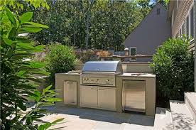 Outdoor Kitchen Island Designs by Chic And Trendy Outdoor Kitchen Designs For Small Spaces Outdoor
