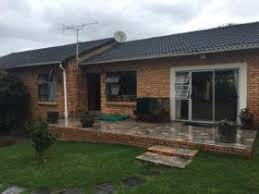 2 Bedroom House For Sale In East London Beacon Bay Property Property And Houses For Sale In Beacon Bay
