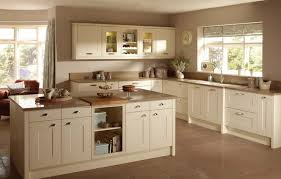 shaker style kitchen cabinets design cream shaker style kitchen cabinets what color walls kitchen