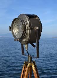 douille en bois projecteurs de spectacle vintage théâtre et cinéma divers