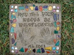 Stepping Stone Molds Uk by Condo Blues Make Personalized Garden Stepping Stones