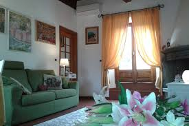 sunny apartment near ponte vecchio apartment florence