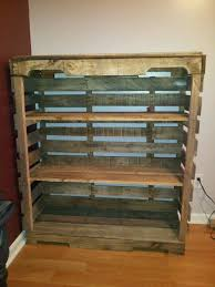 Building Wood Shelf Garage by Best 25 Pallet Shelves Ideas On Pinterest Pallet Shelving