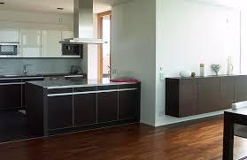 kche zu dunklem boden schöner wohnen wettbewerb klares design für die küche bild 3