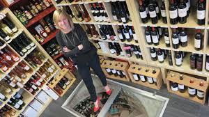 Cave A Vin Enterree Ronde Comment Conserver Ses Vins Armoire à Vins Réfrigérée Ou Cave à