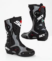 best motorbike boots product review sidi roarr boots 199 99 mcn