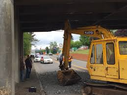 trackhoe damages hwy 47 overpass kgw com
