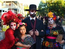traditional dia de los muertos celebrations in san diego