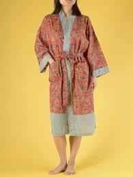 kimono robe de chambre szlafrok kimono w kwiaty w różowym kolorze oysho sleepwear