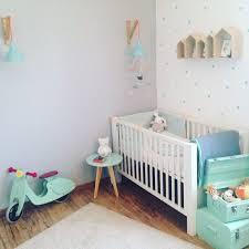 chambre bebe vert d eau chambre enfant vert murale peinture grise bleu architecture couleur