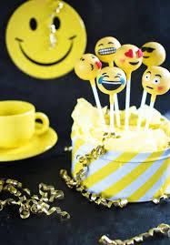 the 25 best emoji cake pops ideas on pinterest emoji food