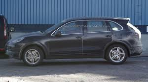 Porsche Cayenne Facelift - 2015 porsche cayenne facelift spied with minimal camouflage
