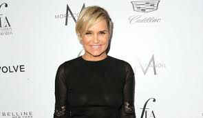 yolanda foster new hairstyle yolanda foster defends lyme disease on instagram ahead of