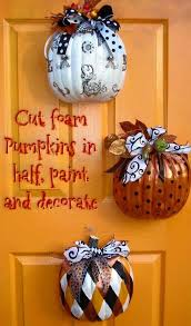 Scary Halloween Decorations On Pinterest by Best 25 Foam Pumpkins Ideas On Pinterest Diy Halloween Spooky